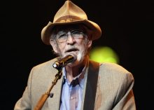 Don Williams. [Photo credit: Mark Humphrey/AP]