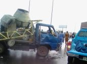 Scene of the crash at Kara, Lagos-ibadan exp. on Thursday. [Photo credit: Olawoyin Oladeinde]