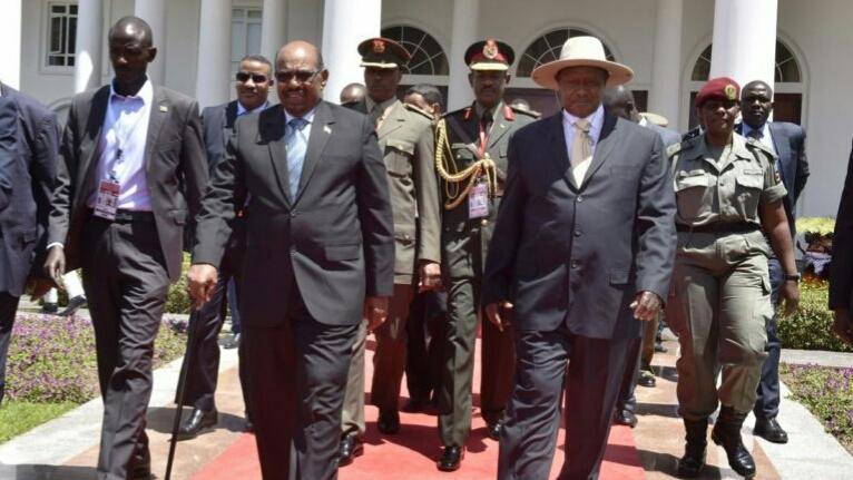 President Omar al-Bashir with Ugandan President, Yoweri Museveni