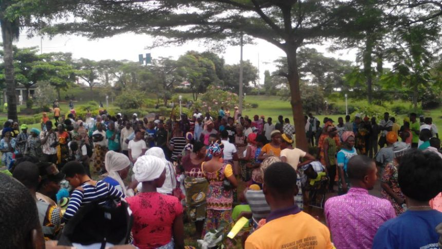 Residents of Otodo-Gbame community on Wednesday besieged the Moshood Abiola Gardens, Ojota, Lagos to protest their forced eviction from the Lagos riverine community.