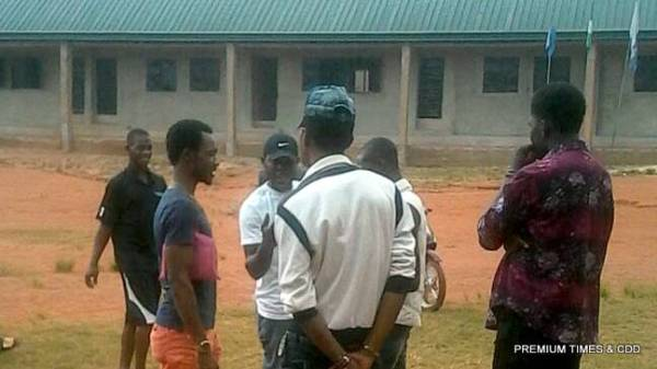 People still waiting for election materials at idemili north ogidi ward 2