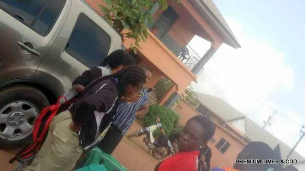At anglican girls Uruagu Nnewi (super rac) some inec adhoc staff refusing to leave for their various PUs because of money issues
