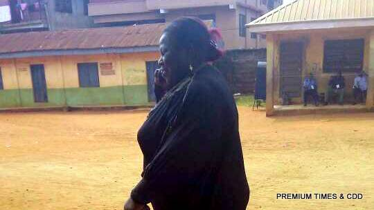 In Nkpor ward Two..... Woman making call in front of an observer telling someone on the phone that PDP paid her #500 and APC #1000 for her to cast vote for their candidates.