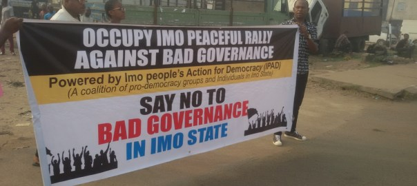 Anti-Okorocha protesters blocked by the Nigerian police