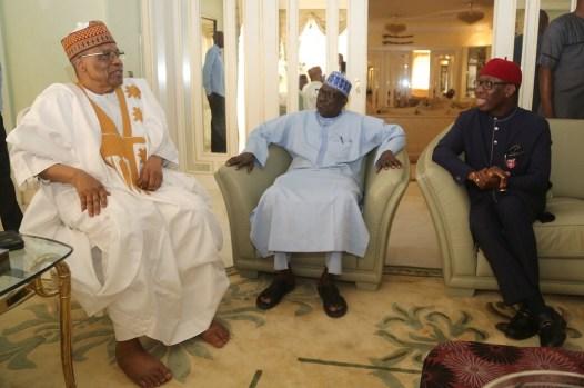Delta State Governor, Senator Ifeanyi Okowa (right); former President of the Federal Republic of Nigeria, General Ibrahim Babangida (left) and Senator Ahmed Makarfi, during a courtesy visit on the former President in Minna. PIX . JIBUNOR SAMUEL.