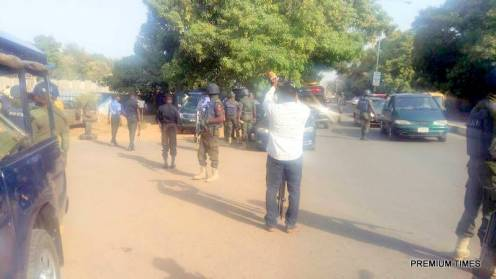 Mass Sack: Hundreds of police officers, soldiers on Kaduna streets to foil NLC rally