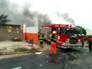 Gas plant fire incident in Lagos as officials try to put the fire off.
