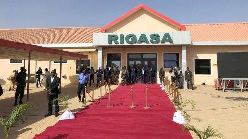 President Buhari commissions new train coaches in Kaduna 7