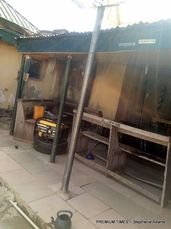 The front of the PHC in Kofar Fada Keffi with a generator used to power the PHC (Photo taken by Stephanie Adams)