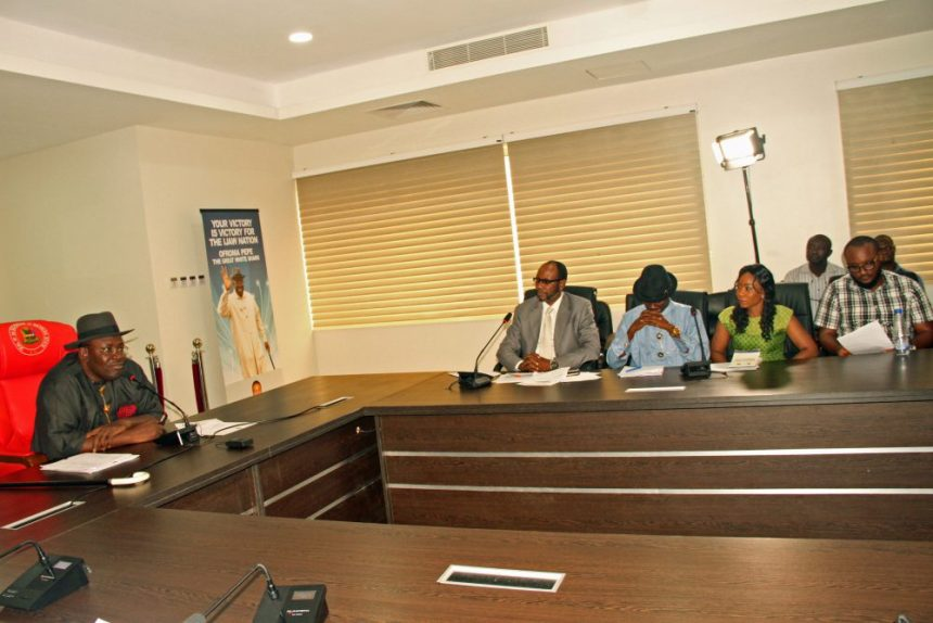 Governor Dickson (L), speaks to newsmen, during a live media chat, at the Government House, Yenagoa on Wednesday.