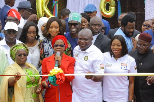 Gov. Akinwunmi Ambode of Lagos State (M); his wife, Bolanle (2nd R); Chairman, June 12 Coalition, Comrade Linus Okoroji (R); wife of late Chief M.K.O Abiola, Dr Doyinsola Abiola (2nd L); Deputy Governor of Lagos State, Dr Oluranti Adebule (L), during the unveiling of the new Chief M.K.O Abiola Statue at the MKO Abiola Garden at Alapere, ketu in Lagos on Tuesday (12/6/18). 03145/12/06/2018/Supo Olasunde/JAU/NAN