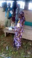 Card didn't read the finger of a voter. Poll officers are waiting for the SPO to come and attend to the issue. Ward 06, unit 4. Oniye of iye's palace. 8:35 am