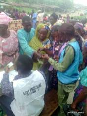 0:31 ward A unit 006, aged people are struggling to get themselves accredited, the INEC officers and security men put it in order