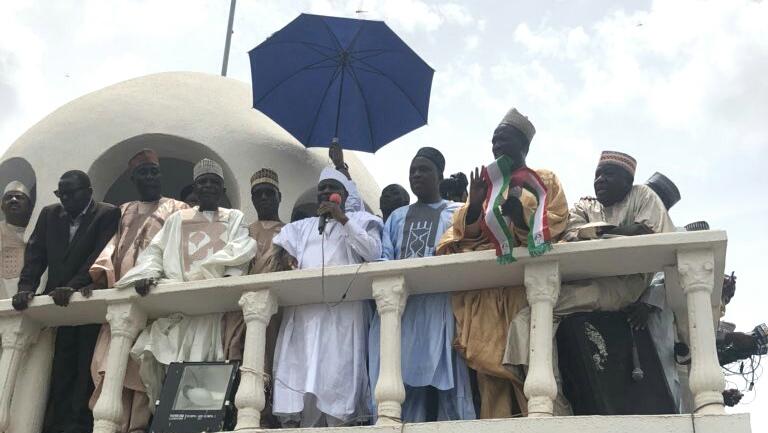 Sokoto State Governor, Aminu Tambuwal decamping to PDP
