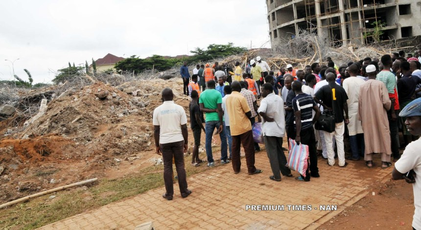 Pic.3. sympathizers at the scene of building Collapse at Jabi in Abuja on Saturday (18/8/18). 18/8/2018/Anthony Alabi/NAN