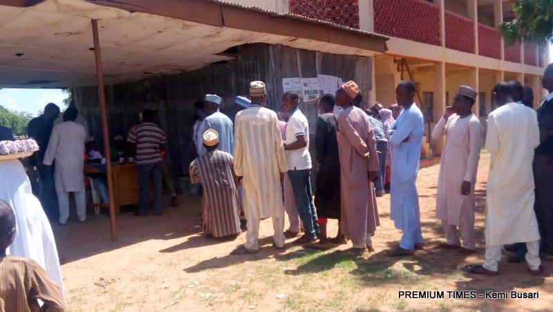 Voters on queue in Kanti B polling unit 4