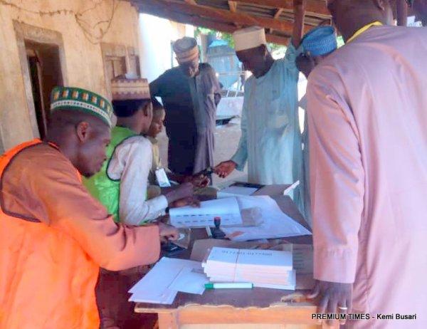 Voters at Kofar Baru, PU 004