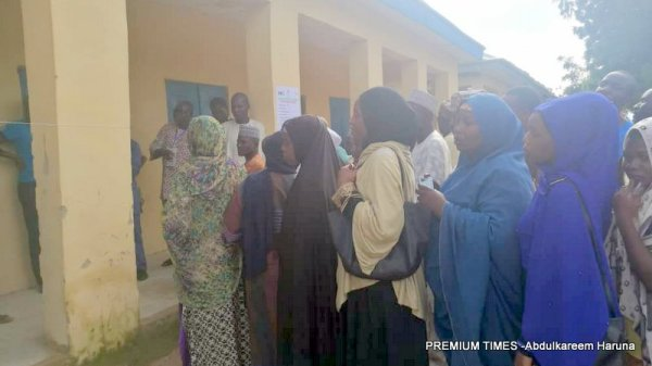 Voters queue for accreditation at Bagel polling unit 001