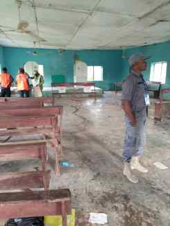 08:01 am, ward 4, polling unit 1 a and b, iperindo, Atakumosa East local government, election is yet to start but the polling unit is set. Total number of registered voters is 1125. There are about 8 security personnel on ground. Party agents are inside and seated