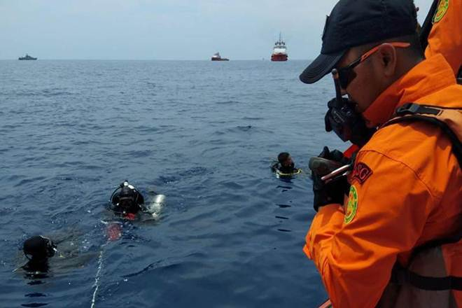 Indonesian rescue diver dies in jet crash search