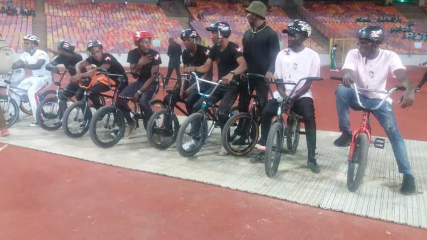 Kelly Ebi Caleb from Bayelsa State has the honour of winning the first gold medal having finished tops in the Men 200 cycling event.