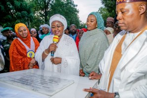 Mrs. Buhari commissioning a two story block of classes at the Government Girls College Maiduguri built by the Governor
