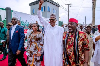 President Muhammadu Buhari goes on his presidential campaign in Imo and Abia states, [PHOTO CREDIT: Official twitter handle of Buhari]