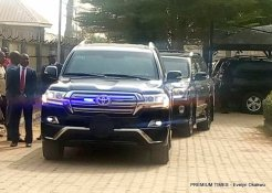 Convoy suspected to be carrying the suspended CJN, Walter Onnoghen as they arrive CCT.