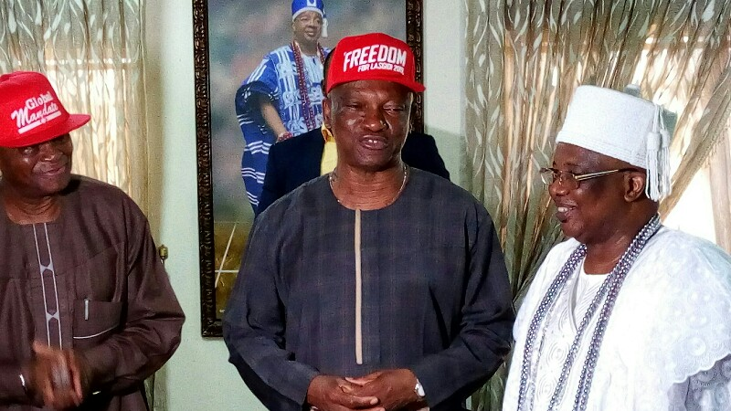 Former Minister of Works, Prince Gbemiga Ogunlewe, The Ayangburen of Ikorodu land, Oba Abd'Kabir Adewela Shotobi, and the Governorship Candidate of the People's Democratic Party (PDP), Mr. Jimi Agbaje, at the palace of the royal monarch on Tuesday
