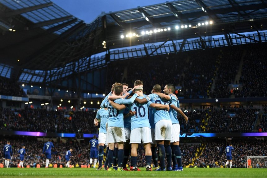 The Manchester City team celebrates after winning Chelsea (Photo Credit; Premier League on Twitter)