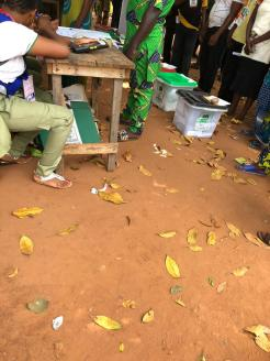 12:54pm, PU 013, Ward 3, ipokia LG, Ogun West Senatorial district. Voting ongoing, ballot boxes not well secured, only one police officer was spotted at the PU