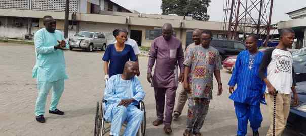 Baba Suwe on way to hospital