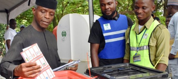 Vice-president, Yemi Osinbajo, voting, at Ward 4,Polling Unit 033 during the Governorship and State Houses of Assembly Elections in Lagos On Saturday (9/3/19). 02028/9/3/2019/Okoya Olatunde/JAU/NAN