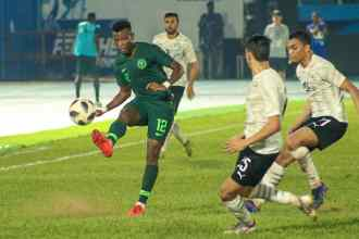 Shehu Abudlahi in action for the Super Eagles against Egypt PHOTO CREDIT PREMIUM TIMES (2)