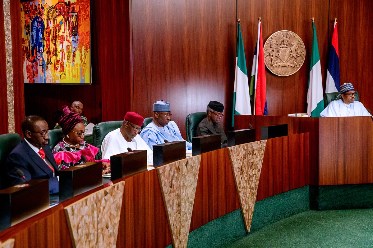 Umrah Banner: What Buhari Told Ministers At Valedictory FEC Meeting