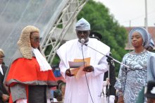 Sanwo-Olu taking the oath of office