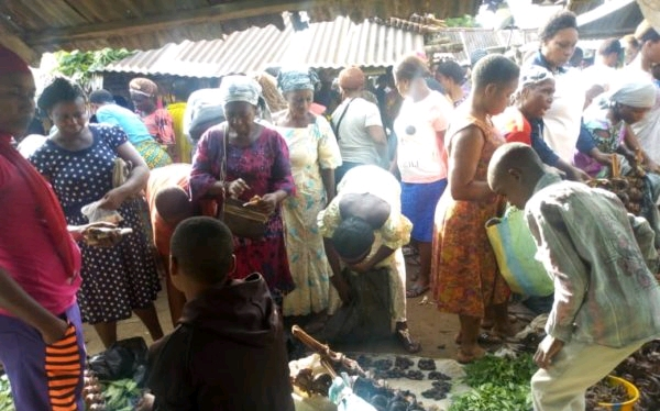 The people engaging in trade by barter