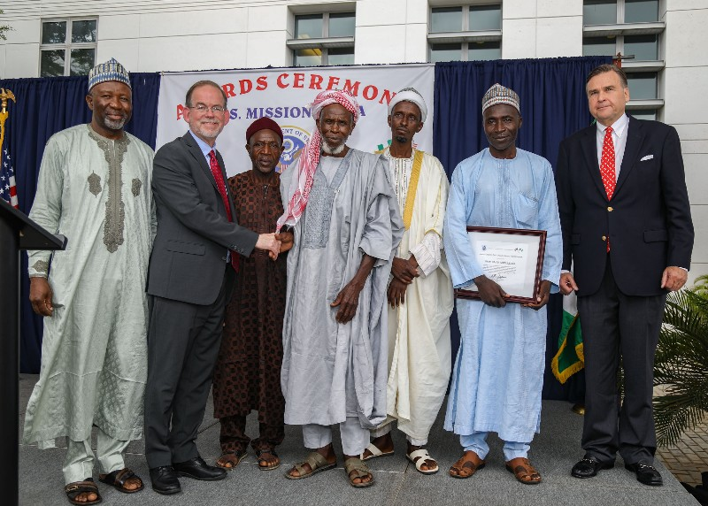 Imam Abdullahi's Award from U.S. Ambassador. (Photo credit: US Embassy Abuja)