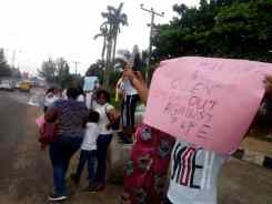 Protesters storm COZA Headquaters in Abuja, calling for Pastor Biodun's resignation after being accused of rape.