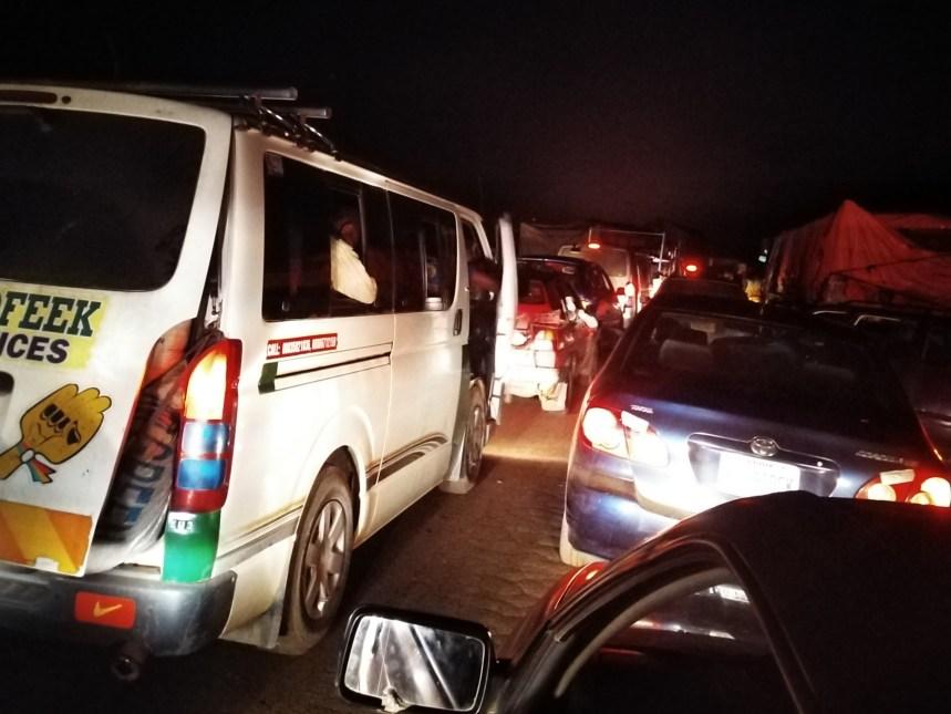 Abuja-Kaduna gridlock as tanker drivers blocked the highway.