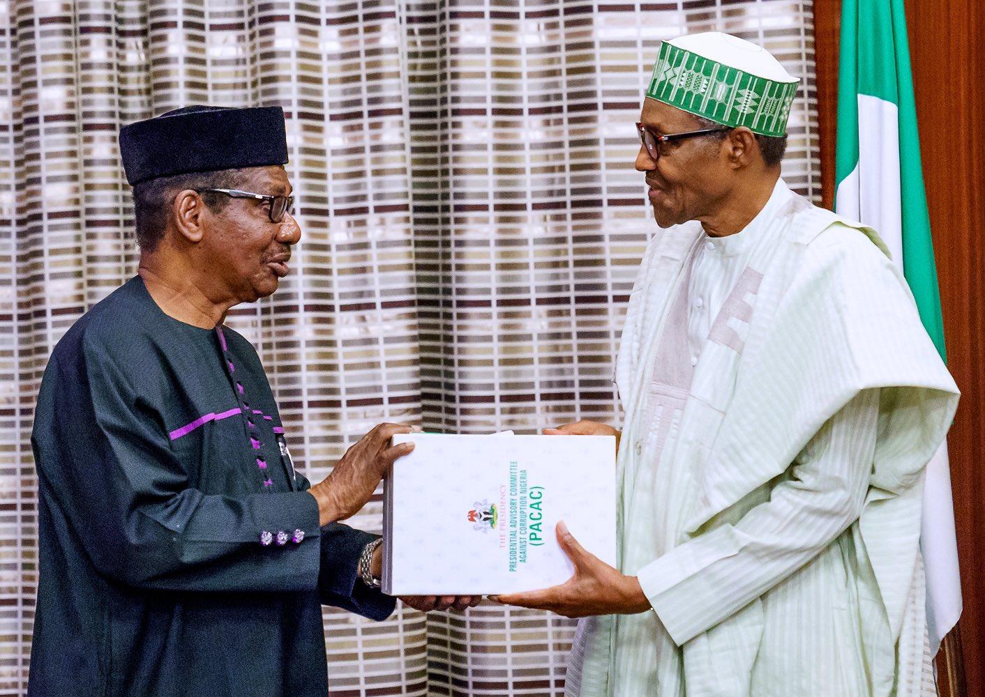 Buhari Public Servants