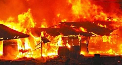 Market on fire (Photo Credit: Saharareporters)