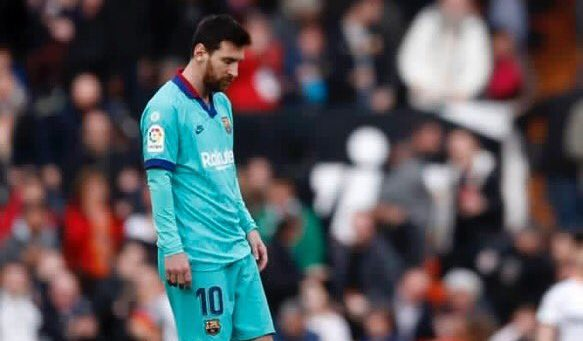Poor Barcelona suffer shock defeat against Valencia