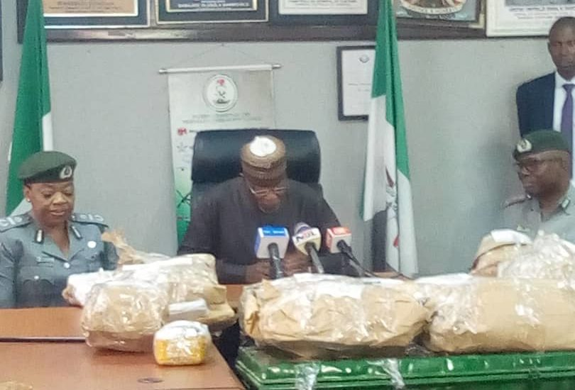 BREAKING: Customs arrest Nigerian passenger with N3 Billion Cash at airport