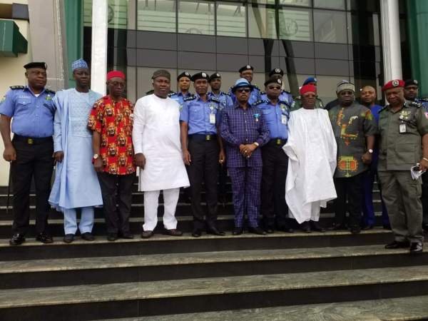 The governors and other dignitaries taking a group photograph after the summit