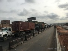 Petrol tankers, foodstuff trucks stranded as police closes Lagos-Ogun border.
