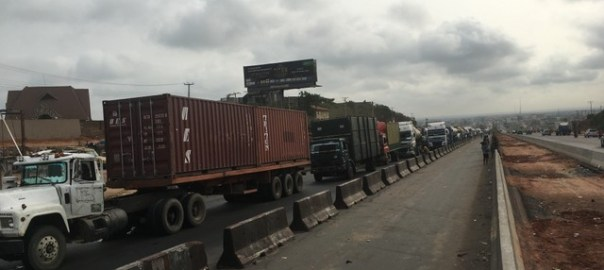 Petrol tankers, foodstuff trucks stranded as police closes Lagos-Ogun border.