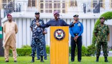 Lagos State Governor, Mr. Babajide Sanwo-Olu; addressing journalists after the State Security Council meeting at Lagos House, Marina, on Saturday, April 4, 2020. Behind him are (L-R): Director, Department of Security Service (DSS), Mr. Abdulfatai Sanusi; Commissioner of Police, Lagos Command, Mr. Hakeem Odumosu; Commander, Nigeria Navy Ship (NNS) Beecroft, Apapa, Commodore Ibrahim Aliyu Shettima and Commander, 651 Base Services Group, Nigerian Air Force Base, Ikeja, Air Commodore Rasaq Olanrewaju.