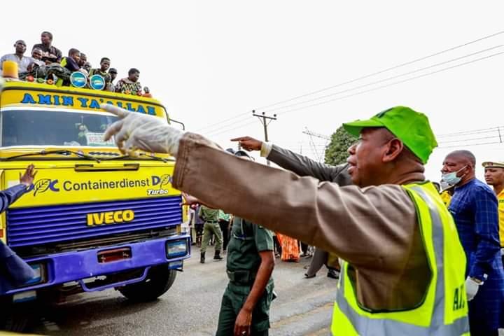 File photo: Governor Ganduje intercepting lockdown defaulters in Kano