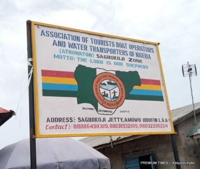 Signpost of Sagbokoji jetty